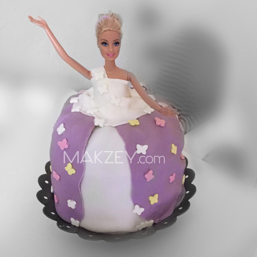 MAKZEY_Blog_Fondanttorte_Barbie04